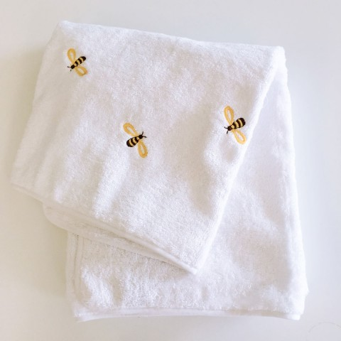 Anichini Bumblebee Embroidered Bath Towels